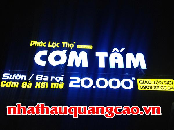 thi-cong-mat-dung-alu-quan-com-2