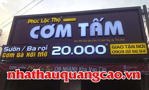 thi-cong-mat-dung-alu-quan-com
