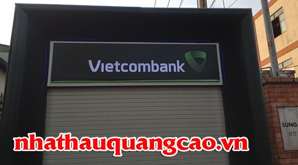 thi-cong-tru-atm-vietcombank-va-chu-noi-mica-1